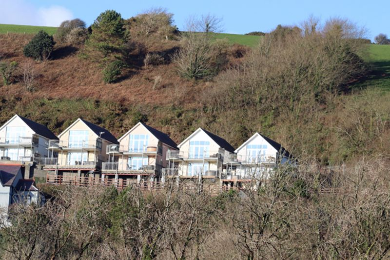 The Apartments Pendine Manor